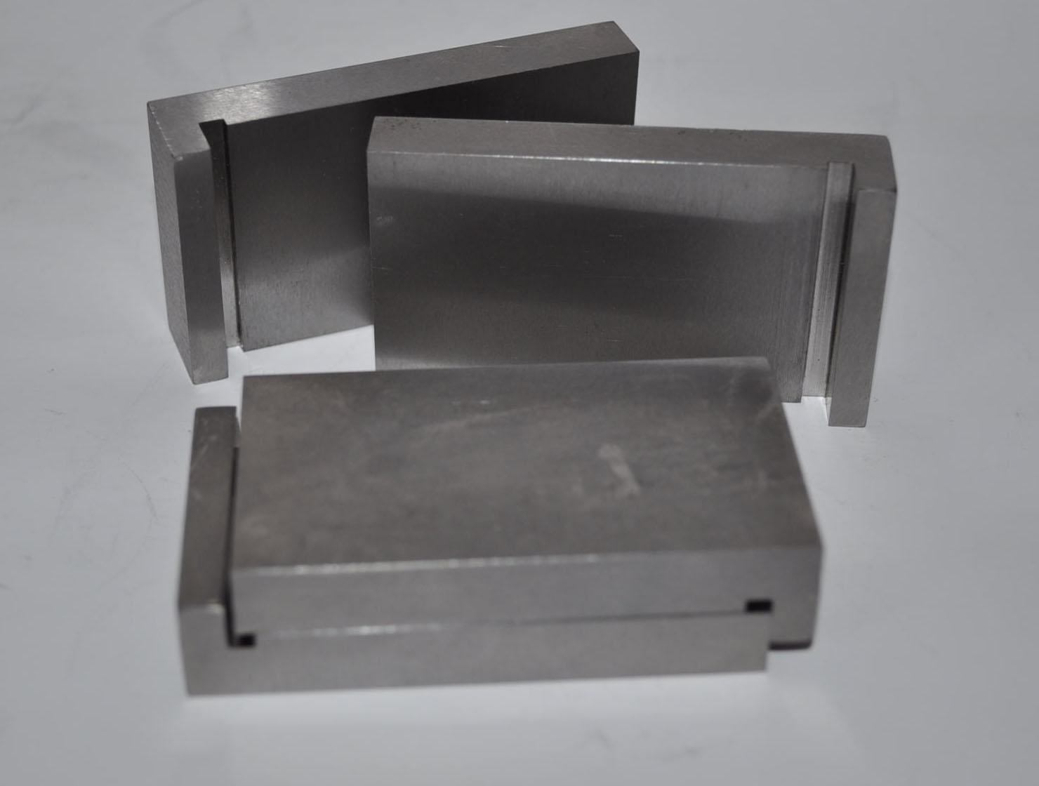 3.48. Пластины д/передачи нагрузки ПЛБ при испытании на сжатие половинок балочек 40х40х160 мм (к-т 2 шт)
